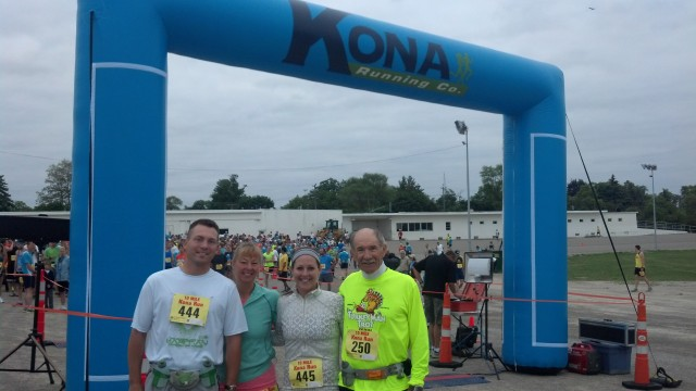 Mark, Mom, myself and Dad at the starting gate for the Kona 10 Mile Run!